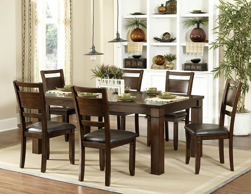 Finnian Dining Room Set