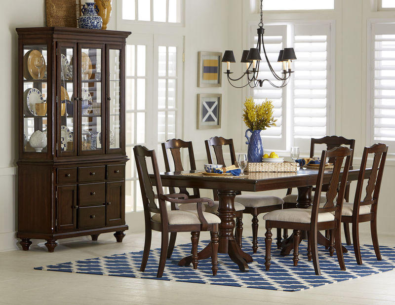 Glendive Formal Dining Room Set