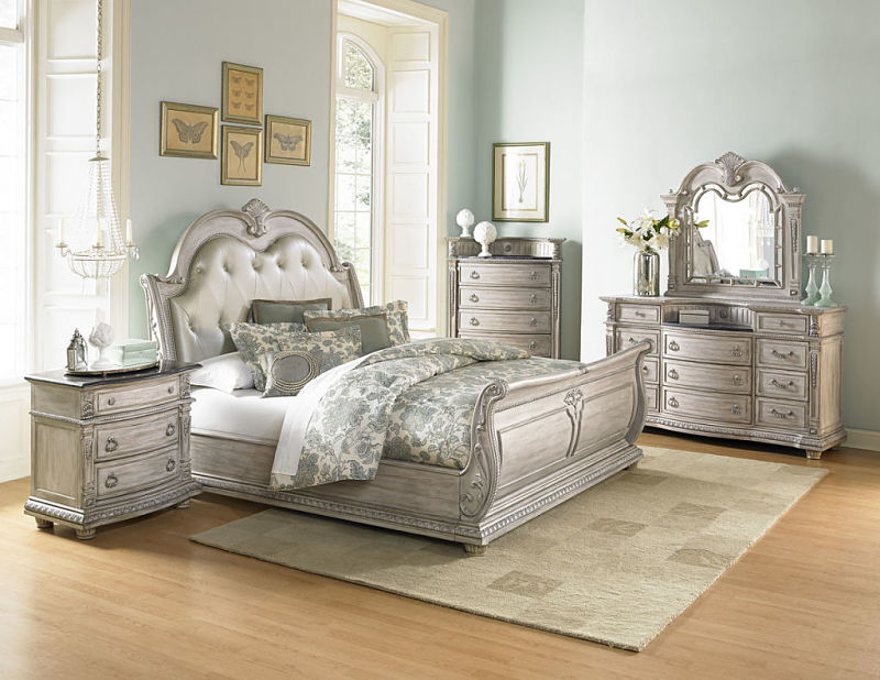 Palace Bedroom Set in White Wash with Sleigh Bed