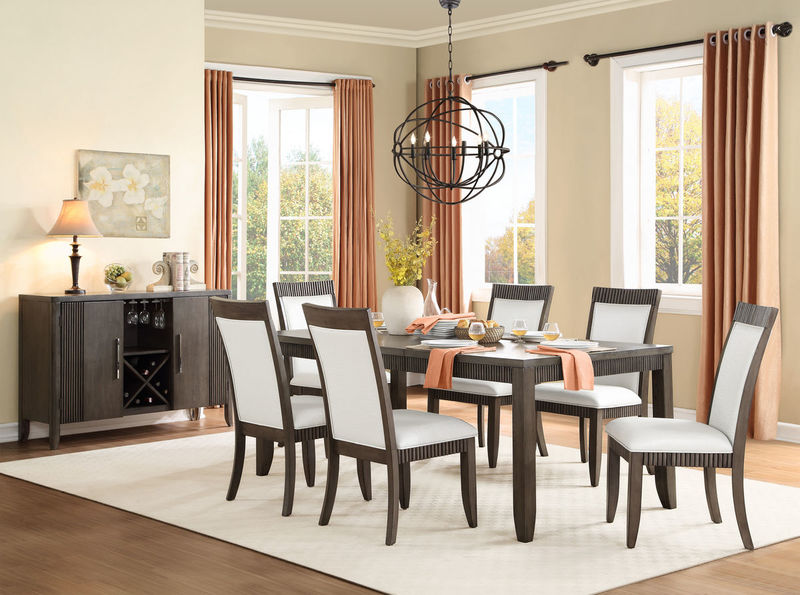 Piqua Formal Dining Room Set