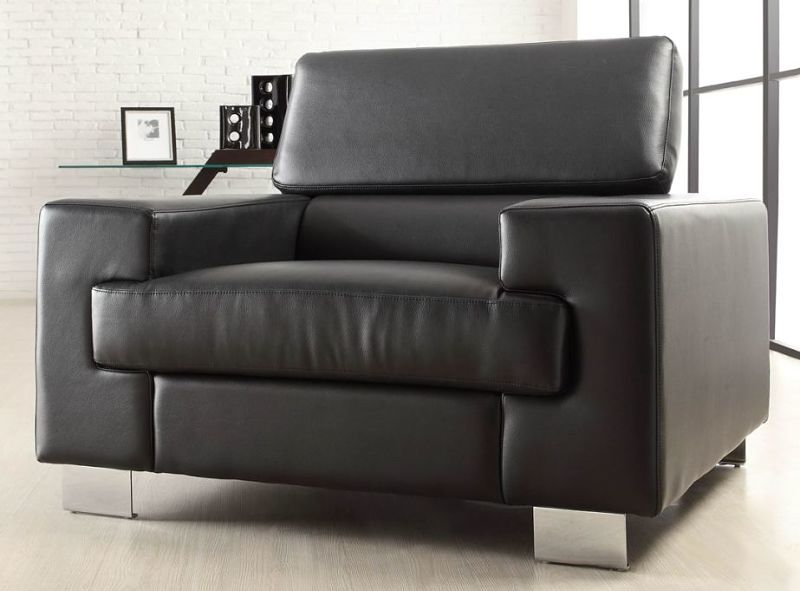 Vernon Living Room Set in Black