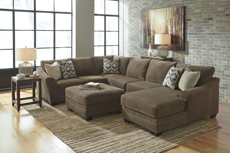 Justyna Sectional Sofa Set with RAF Chaise