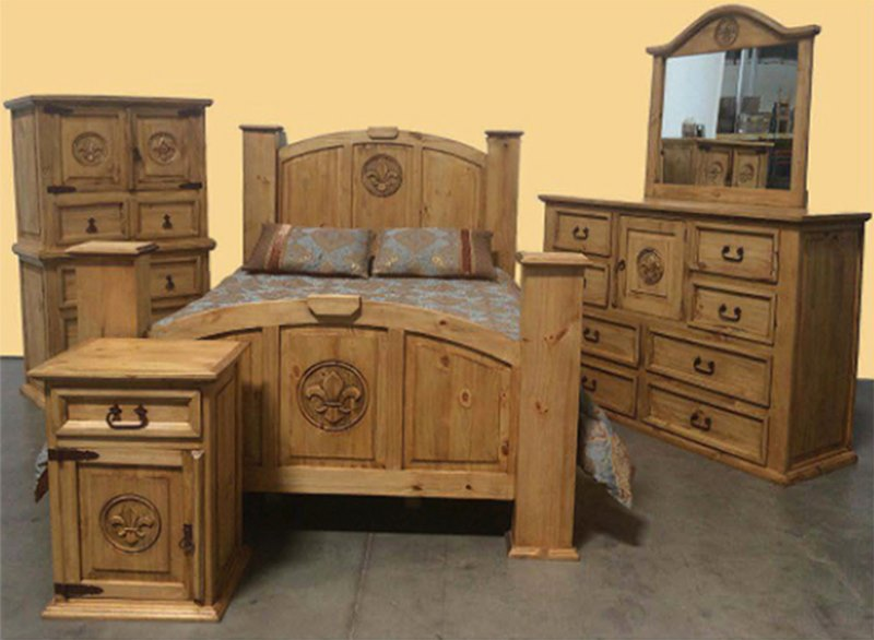 Mansion Rustic Bedroom Set with Fleur di Lis
