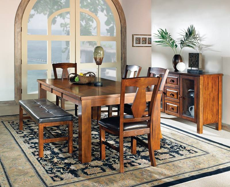 Lakewood Dining Table Set with Bench