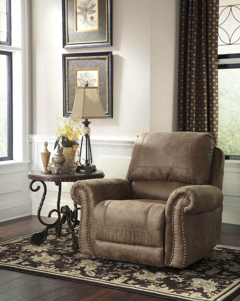 Larkinhurst Sectional Sofa Set