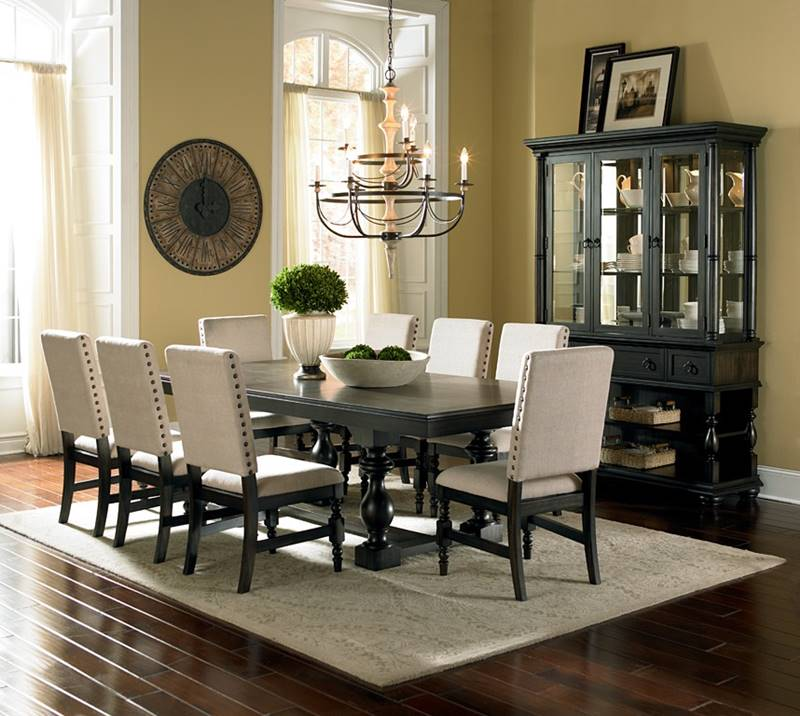 Leona Formal Dining Room Set