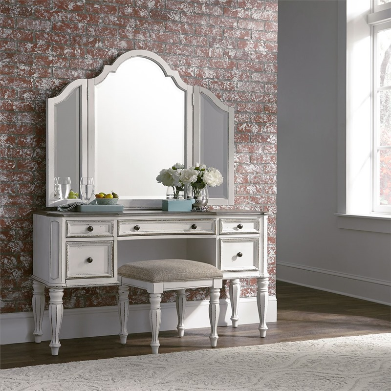 Magnolia Manor Bedroom Set