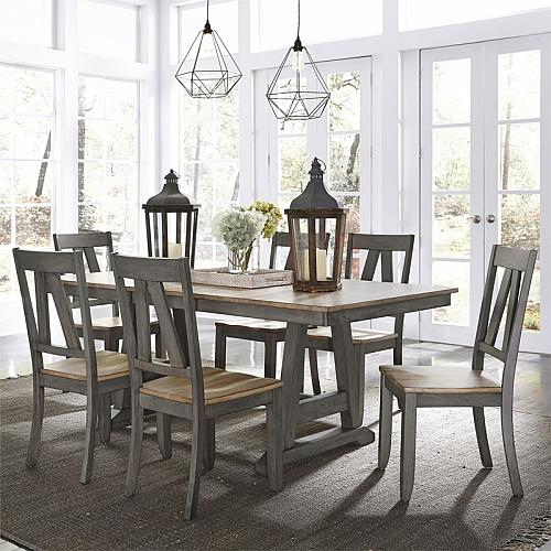 Lindsey Farm Dining Room Set