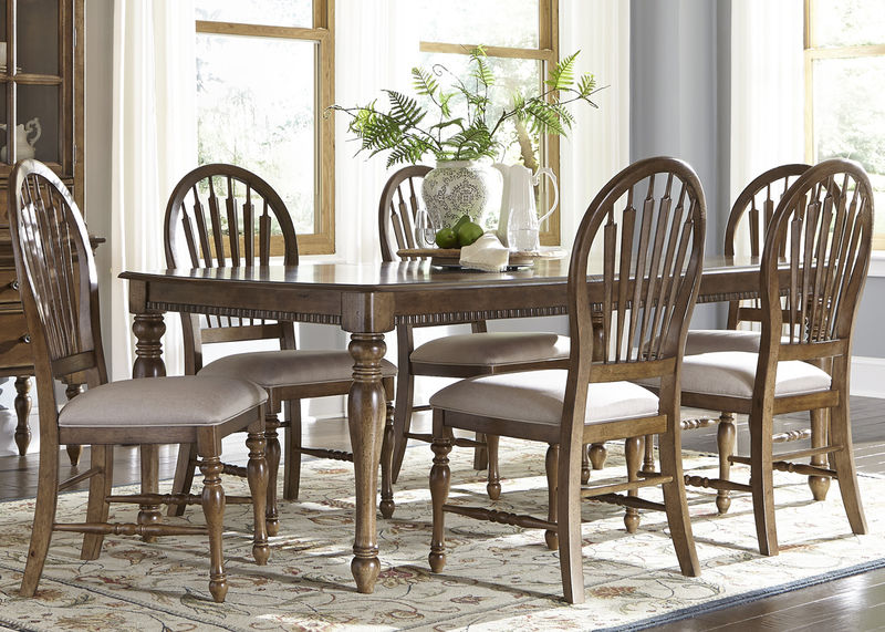 Barrett Lakes Dining Room Set