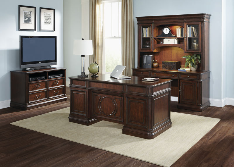 Brayton Manor Computer Desk Set