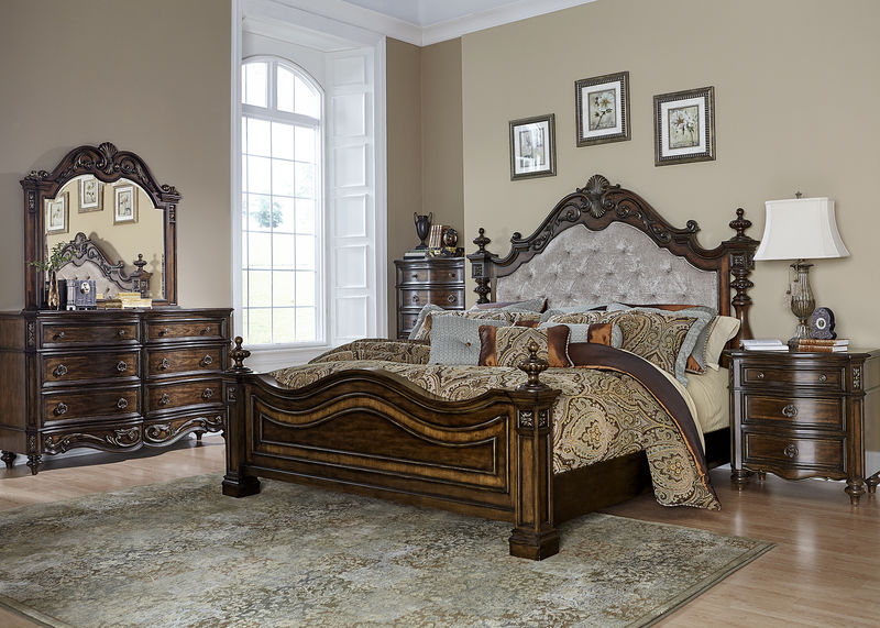 Chamberlain Court Bedroom Set