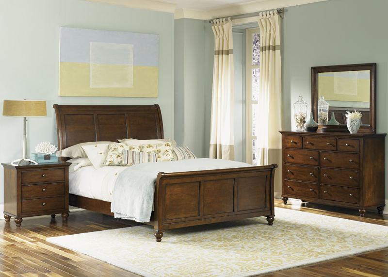Hamilton Bedroom Set with Sleigh Bed