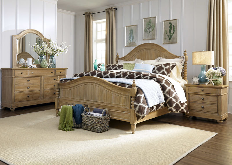 Harbor View Bedroom Set with Poster Bed