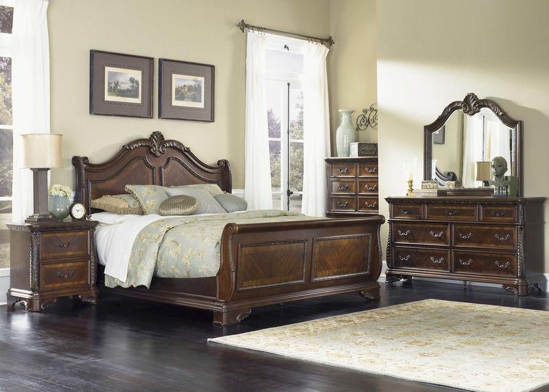 Highland Court Bedroom Set