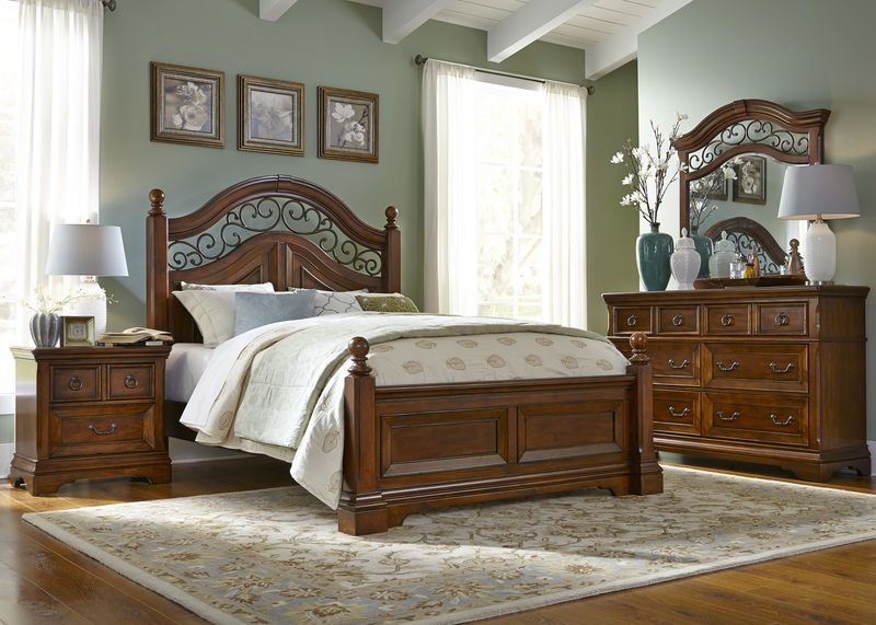 Laurelwood Bedroom Set