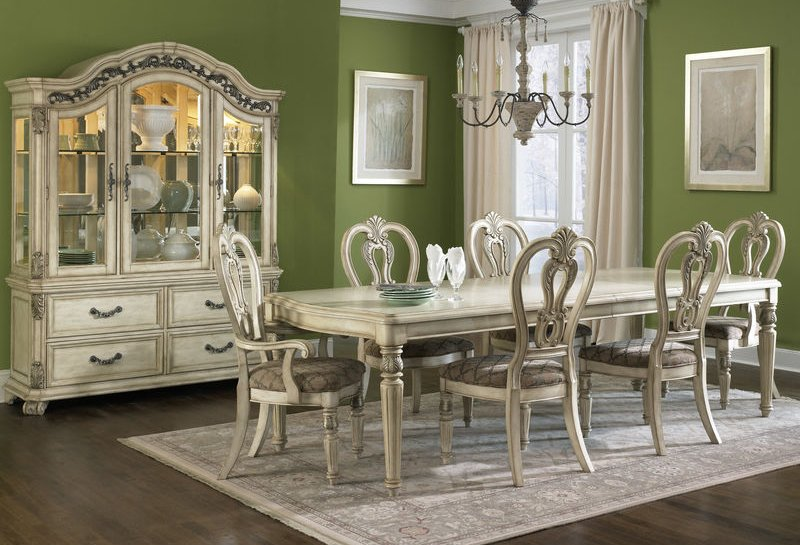 Messina Estates II Dining Room Set