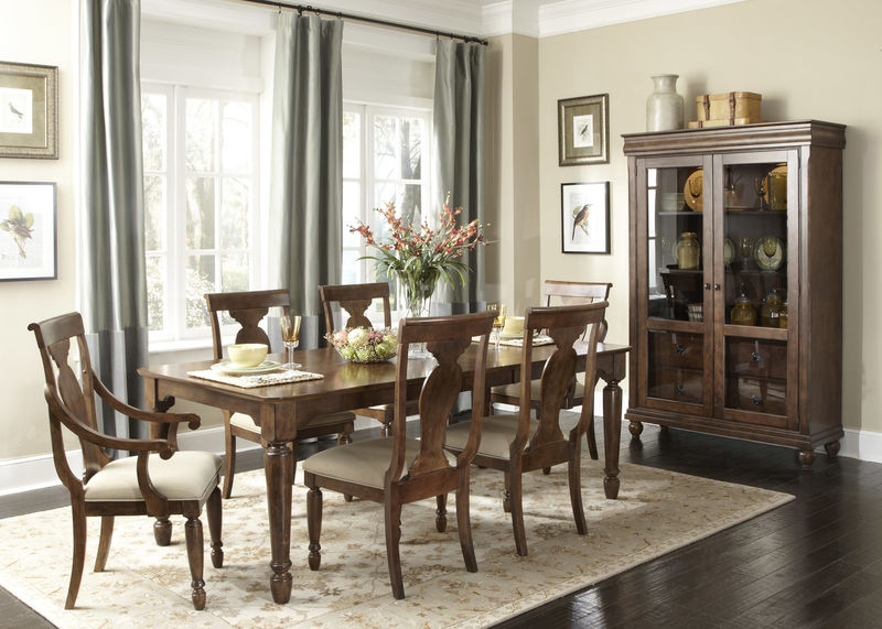 Rustic Traditions Dining Room Set with Rectangle Table