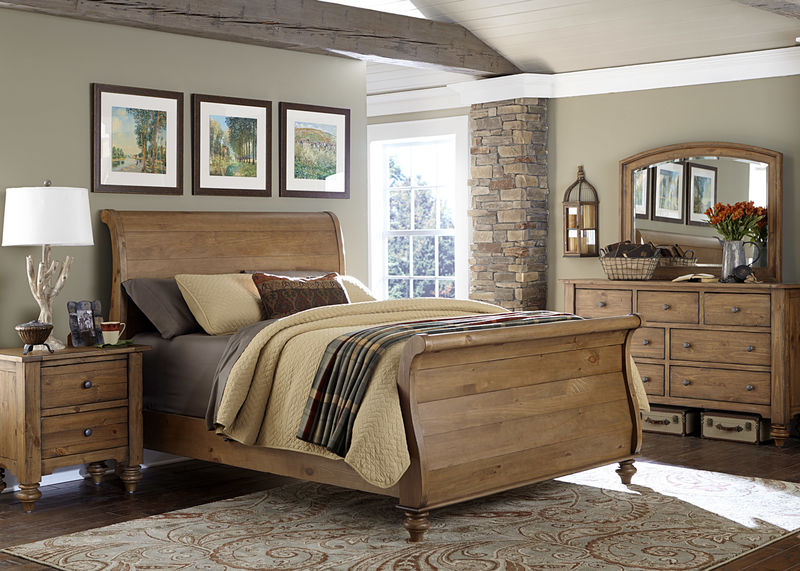 Southern Pines II Bedroom Set with Sleigh Bed