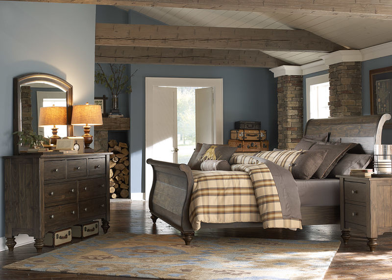 Southern Pines Bedroom Set with Sleigh Bed