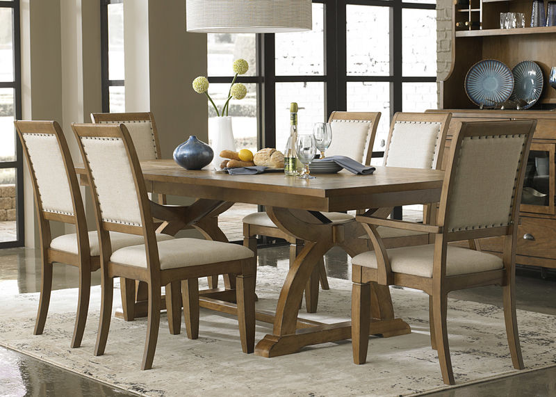 Town & Country Dining Room Set