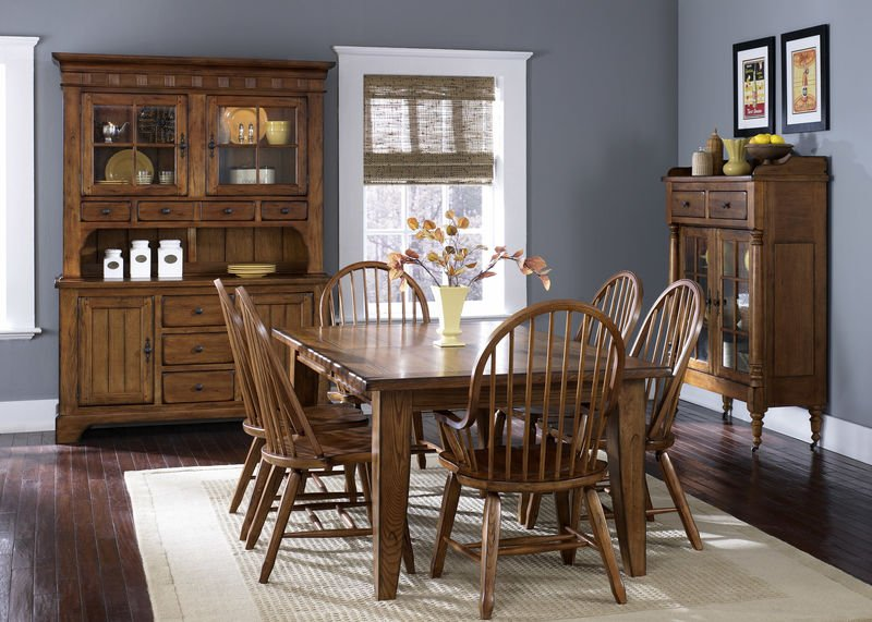 Treasures Dining Room Set