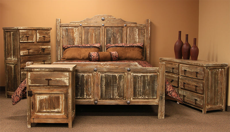 Minimized White Wash Rustic Bedroom Set