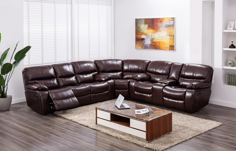 Banner Sectional Living Room Set in Brown
