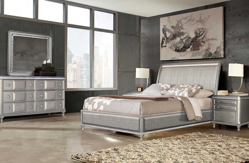 Midtown Bedroom Set in Platinum Bling