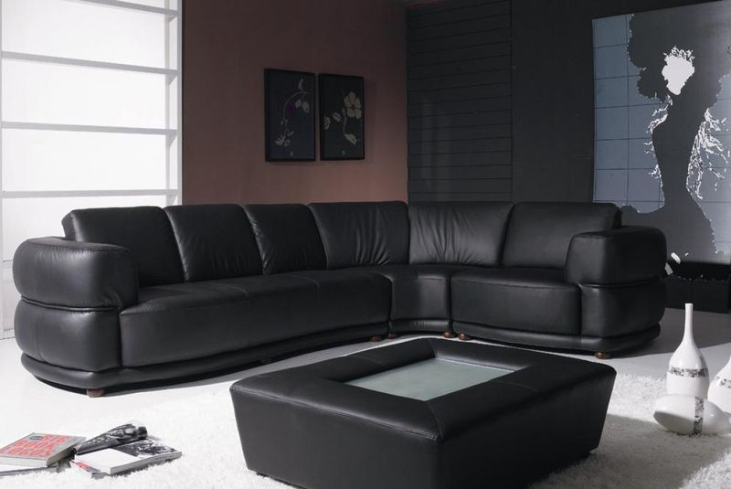 Yil Contemporary Black Leather Sectional with Coffee Table